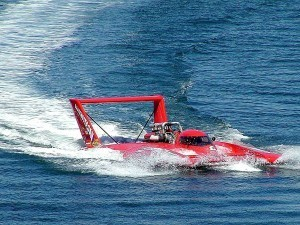 'Speed boat (1)' by Jon Sullivan - Licensed under Public domain via Wikimedia Commons
